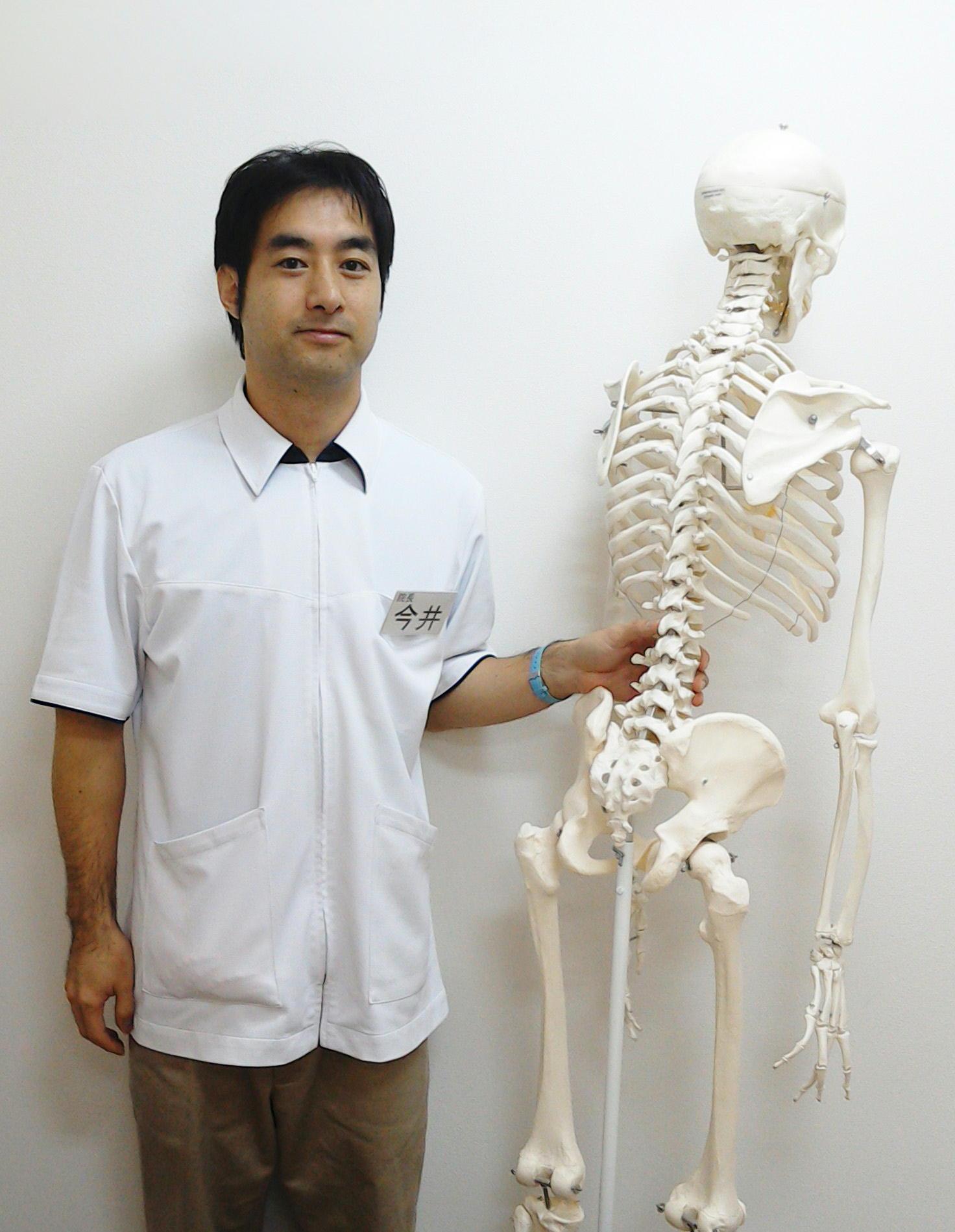 """img src=""""image1.JPG"""" alt=""""この人が西江井ヶ島を愛する院長"""""""